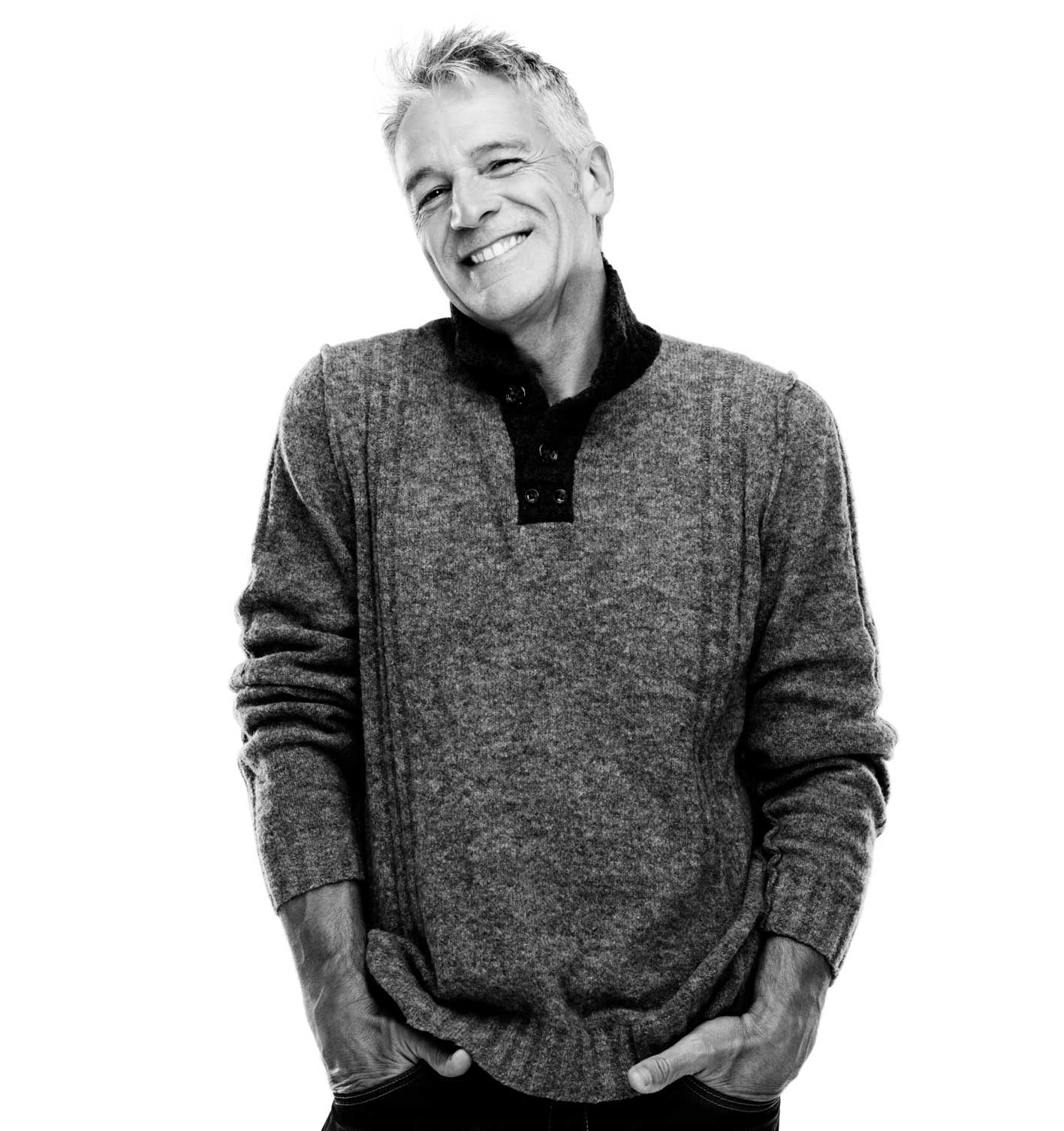 Bild eines lächelnden Mannes gehobenen Alters